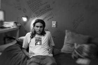 16 de marzo de 2009. Thor Durant Kramer, 17, en su casa de Chorrillos, Lima.