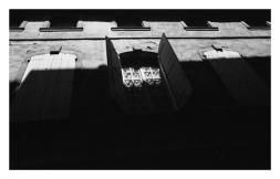 Arles*,1975.72x600