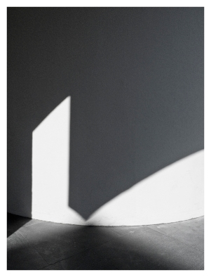 Light & Shadow,2011.72x600